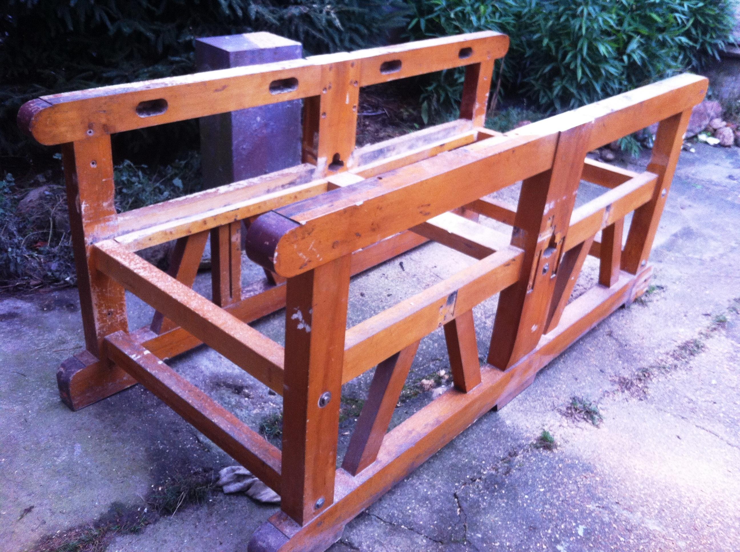 Diverse Untergestelle für Möbelbau aus Massivbuche