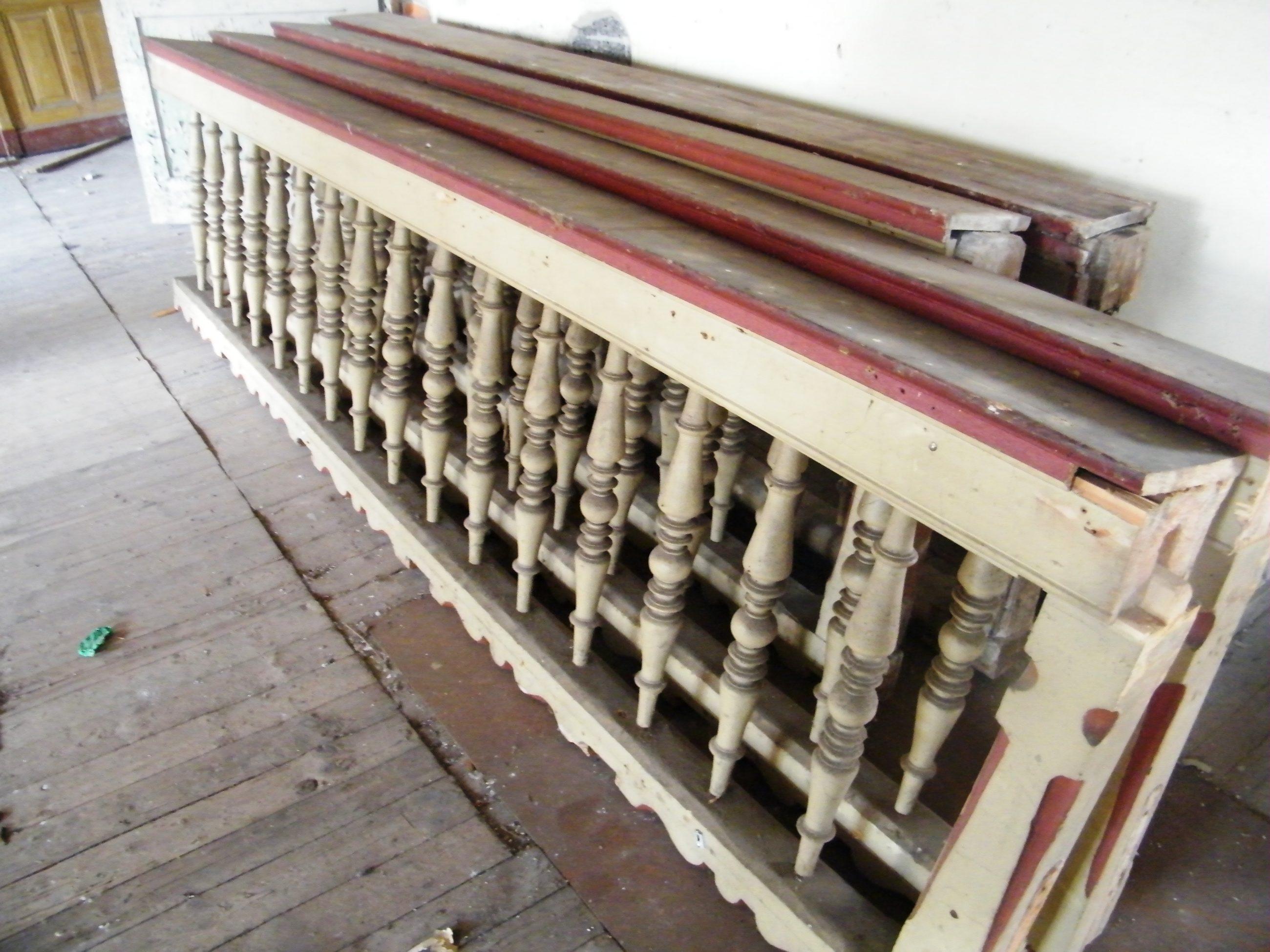 Geländer mit Gebetsbuchablage ca. 13 lfm