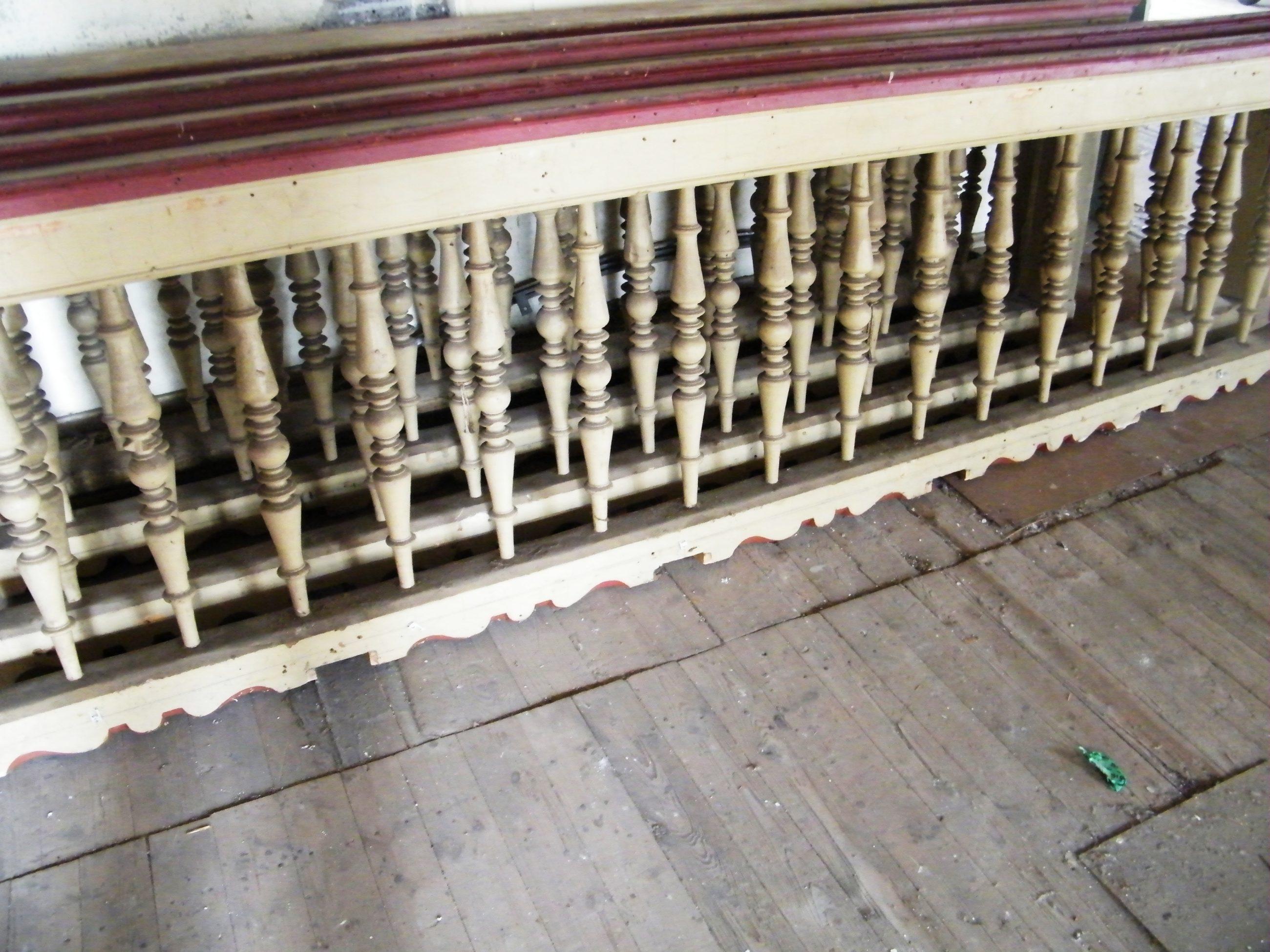 Geländer mit Gebetsbuchablage ca 13 Lfm