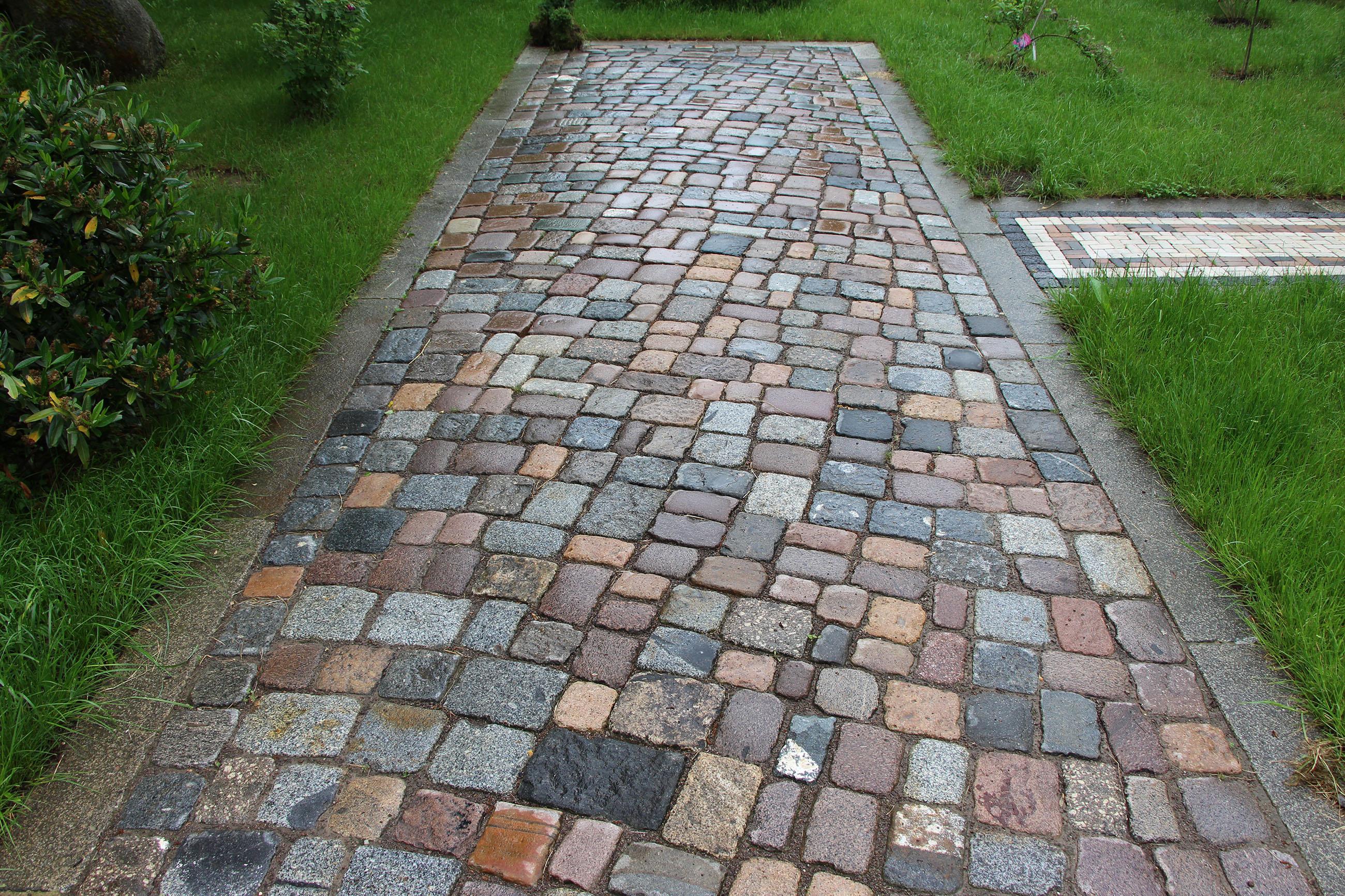 Großpflaster, Granit und andere Pflastersteine, bunt, gebraucht, reihenfähig, Natursteinpflaster
