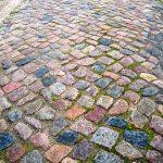 historisches rustikales Großpflaster, buntes Natursteinpflaster