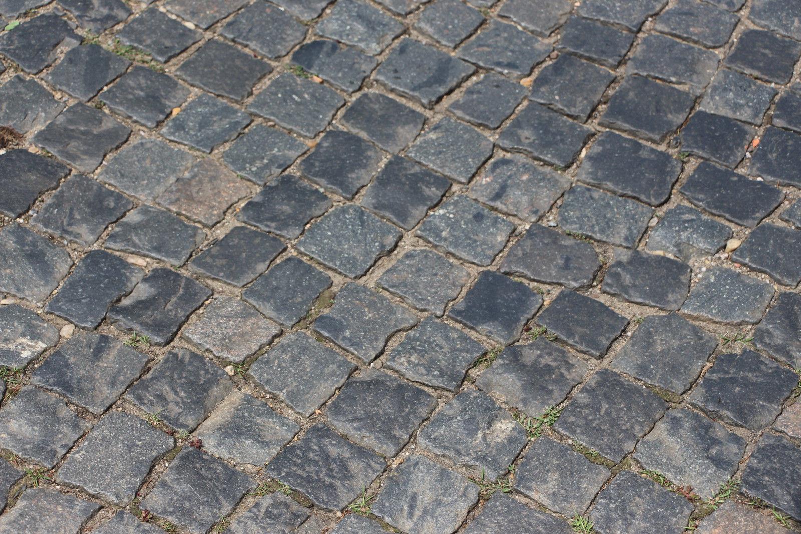 Gebrauchtes Kleinpflaster anthrazit, historisches Kopfsteinpflaster, Natursteinpflaster 9/11er bzw. 10/10er